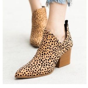Shoes - COMING SOON!! Cheetah Leopard Print Fall Booties